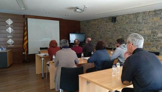 Tècnics del Consell Comarcal participen en una videoconferència sobre la perspectiva de gènere en els contractes públics